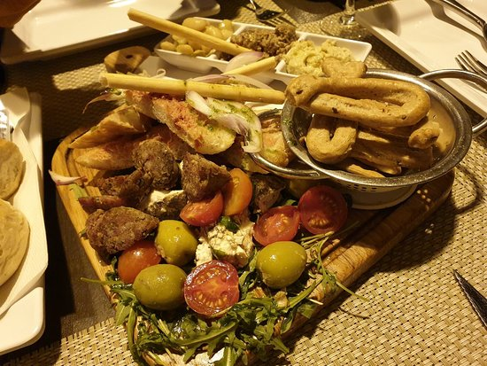 Browns Kitchen: Maltese platter, extremely good