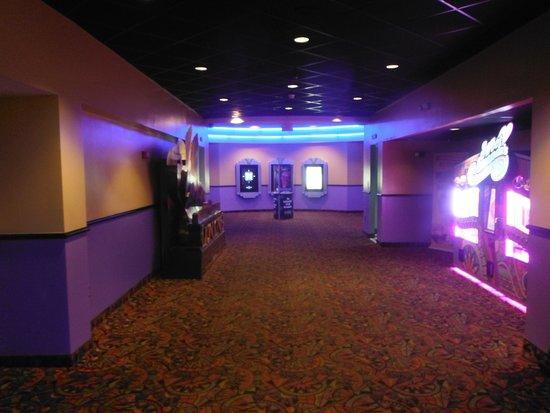 Regal Cinemas Palmetto Grande 16