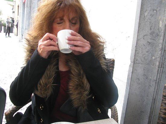 Province of Verona, Italia: Joyce having her morning coffee