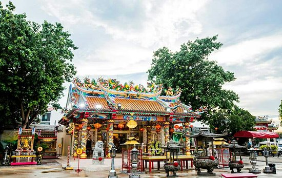 Chao Pu-Ya Shrine