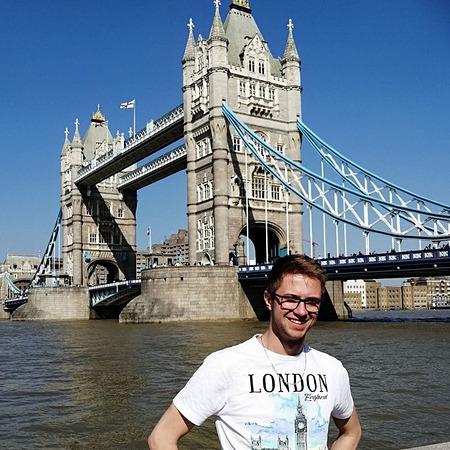 Gay aplikace pro připojení k londýně