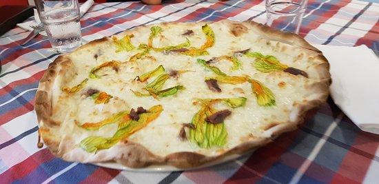 Graffignano, Italia: Le pizze