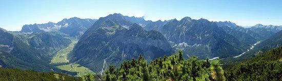 Hall in Tirol, Austria: Ahornboden mit Rißtal - S.Hoelscher