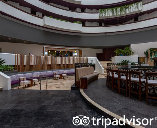 Lobby at the Reflect Cancun Resort & Spa