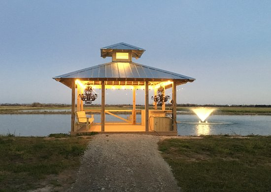 Kaplan, لويزيانا: Our Gazebo provides a great place on the open back deck for guests of our B&B or camping sites to catch bream (catch & release). We will supply the fishing poles and bait. (no charge)