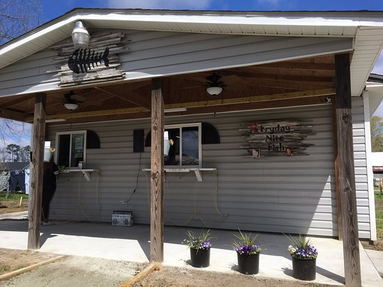 Ayden, NC: Order at the window the left, menus are at the window or in the buckets on the columns