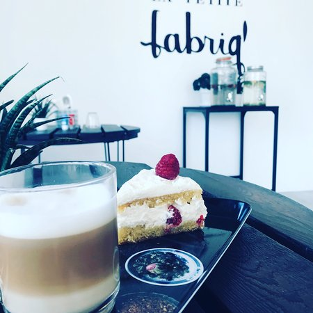 Jacou, Francia: Coffee shop  salon de thé