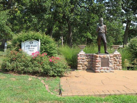 Osawatomie, KS: Memorial statue at John Brown Memorial Park