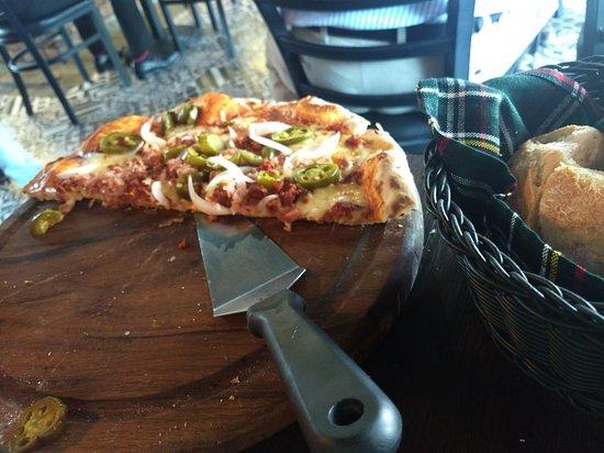 Tonino's Pizza Ristorante Italiano: Pizza!