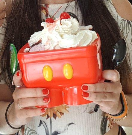 Mickey Kitchen Sink Sundae Picture Of Plaza Ice Cream