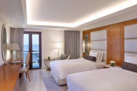 Al Bustan Palace A Ritz-Carlton Hotel: Suite