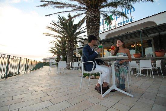 Bar Terrazza con la vista sulla Baia di Citara