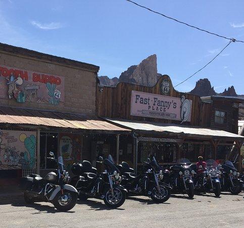 Хоторн, Калифорния: Oatman