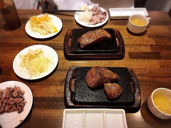 大阪 やっぱり ステーキ コスパ最強の「やっぱりステーキ」を緊急レポート! 「セット」で1000円、セルフでお替り自由な「ライス・スープ・サラダ」を紹介