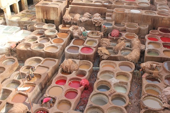 Agdz, Maroko: The largest leather tannery in the world is located right here in Fes!