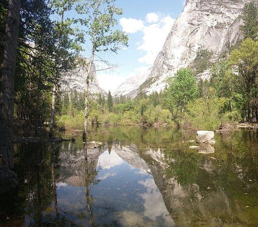 Yosemite Valley Vandretur: Mirror Lake, Yosemite (Photo made by James from Lasting Adventures)