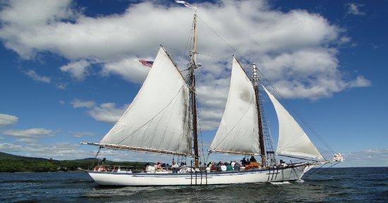 Schooner Appledore II Windjammer Cruise