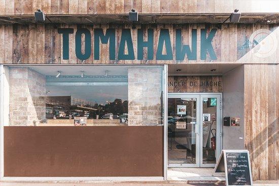 Tomahawk lancer de hache