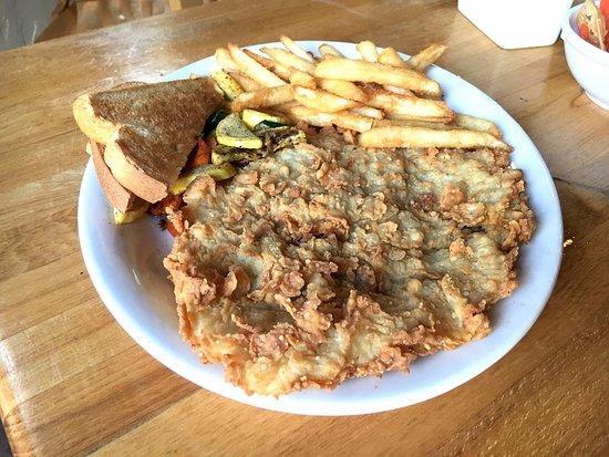 La Hacienda Scenic Loop: chicken fried steak
