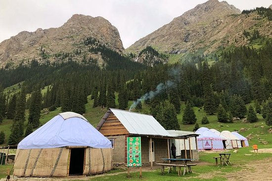 Kirguistán 3 días: tour por el lago...