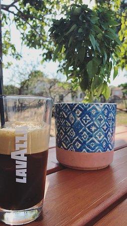 Lemnos Bakery - Oikogeneia Poriazi:  freddo espresso!