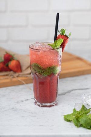 https://media-cdn.tripadvisor.com/media/photo-s/17/a5/c0/86/strawberry-mojito-the.jpg