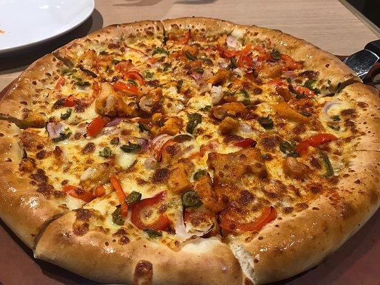 Pizza Hut Dubai Jumeirah 3 Jumeira Rd Jumeirah Restaurant Reviews Phone Number Tripadvisor