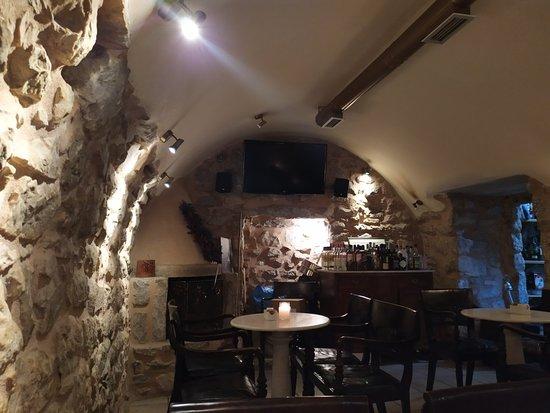 アレオポリのレストラン