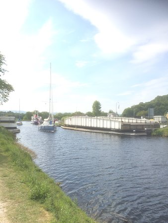 Operation of the Bridge over the Caledonian Canal.