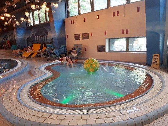 Csillaghegyi pool