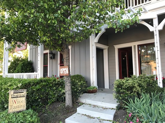 Toretti Family Vineyard Tasting Room