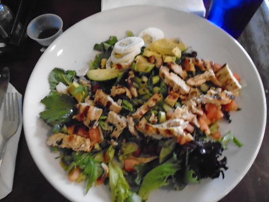 Village Tavern: Tavern Cobb Salad