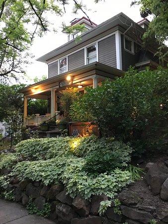 The Everett House Healing Center & Spa