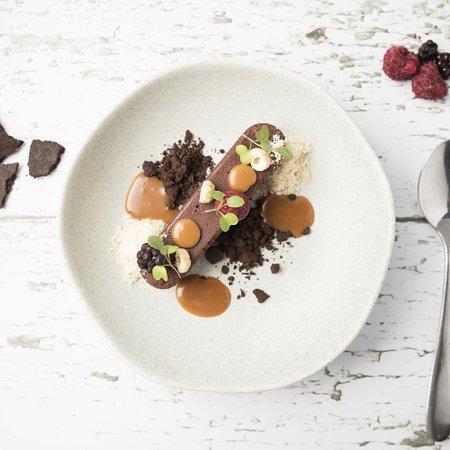 CHOCOLATE GANACHE -V With raspberry, rum, salted milk caramel & hazelnuts