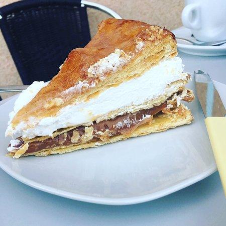 San Juan De Aznalfarache, Espanja: Porción Tarta Pasión Dulce de Leche 🥧