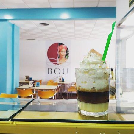 San Juan De Aznalfarache, Espanja: Café especial Barraquito y muchas más variedades! Ven a probarlas!