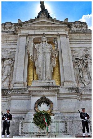 Monumento a Vittorio Emanuele II: monumento al milite ignoto