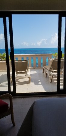 Fiesta Americana Villas Cancun -Very nice resort and great customer service