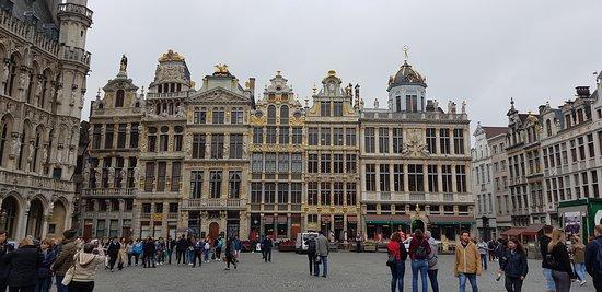القصر العظيم: grand place