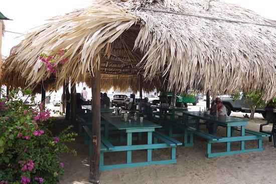 Venezuela: Jednoduchá restaurace na pláži La Restinga
