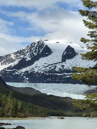 Mendenhall Glacier Lake Canoe Tour: Mendenhall Glacier