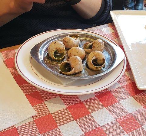 Los escargot, un plato típico francés