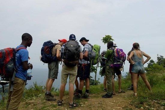 コンゴナイルトレイルでのハイキングやサイクリングツアー