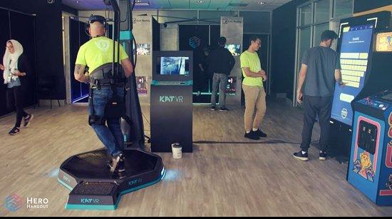 Hero Hangout VR