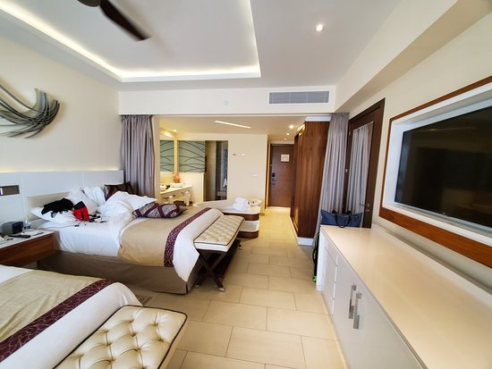 Royalton Blue Waters: Room in Building 4
