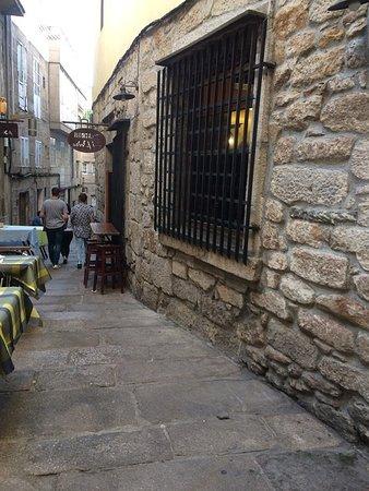 Taberna A Pedra: In A Side SZtreet