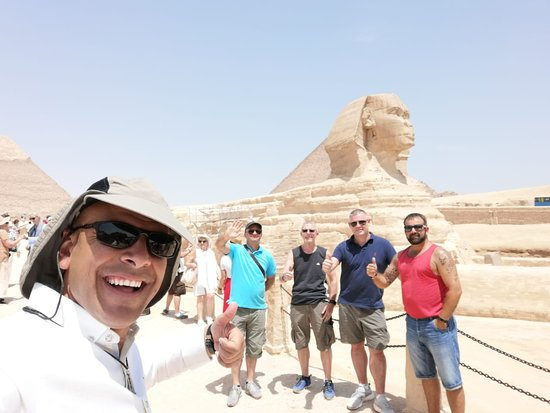 Private Tour to Giza Pyramids and The Egyptian Museum: Sphinx, very impressive!!!