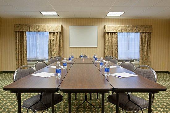 Holiday Inn Express Mt. Pleasant-E Huntingdon: Meeting room