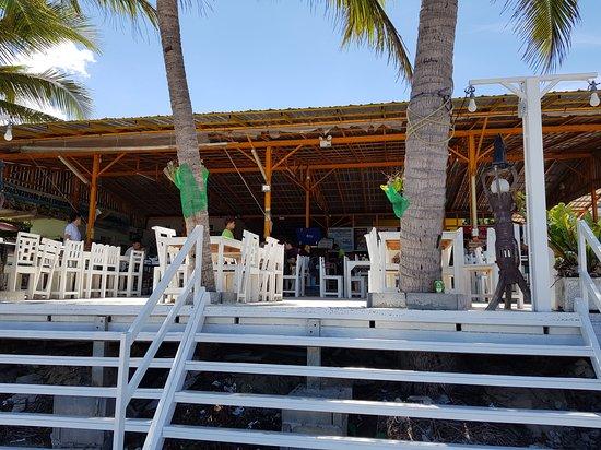 Krua Ban Kru: Restaurant with no walls allows the sea breeze to flow through