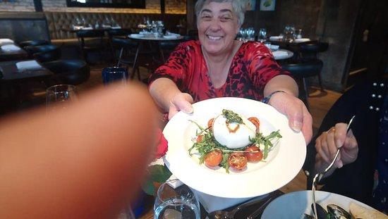 Matthew's Kitchen Seafood: Mozzarella salad
